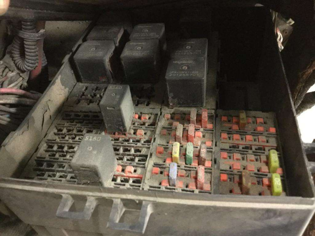 2004 international 4300 fuse box for sale spencer ia. Black Bedroom Furniture Sets. Home Design Ideas