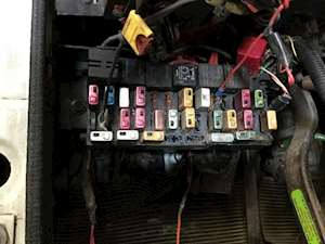 Fuse Boxes Panels International 8100 9463704 thumb 1999 international 8100 fuse box for sale spencer, ia 24599305 international fuse box diagram at crackthecode.co