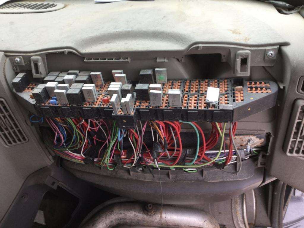 Fuse Boxes Panels International Prostar on 4900 International Truck Parts