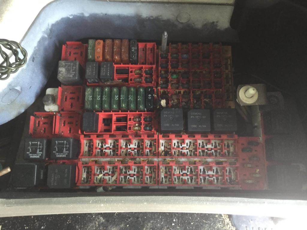 2020 Kenworth T370 Fuse Box Location