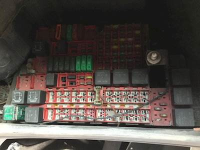2005 kenworth t2000 fuse box for sale spencer ia 24611074 rh mylittlesalesman com kenworth t2000 fuse diagram kenworth t2000 fuse panel diagram