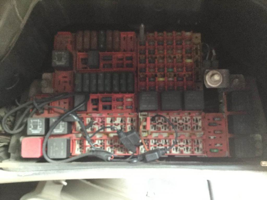 2001 kenworth t2000 fuse box for sale spencer, ia 246512752001 kenworth t2000 fuse box