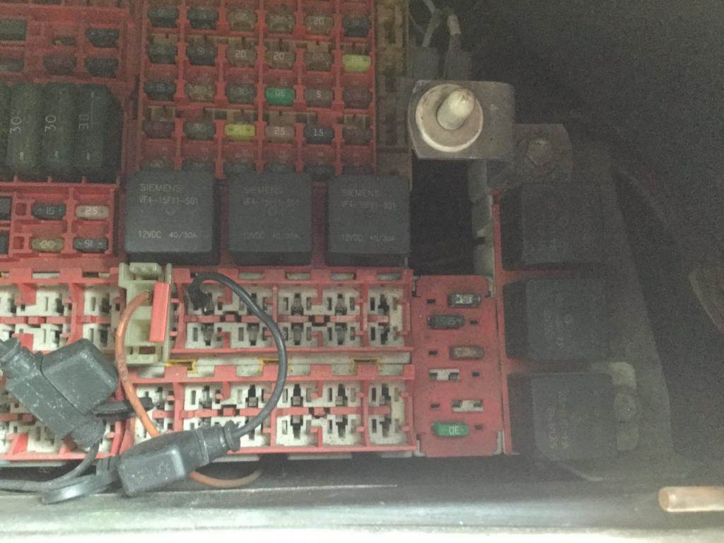 2001 Kenworth T2000 Fuse Box