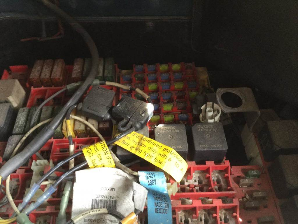 2010 Kenworth T2000 Fuse Box
