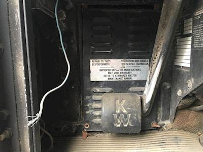 mylittlesalesman com 2010 kenworth t660 fuse box location 1988 kenworth t600 fuse box