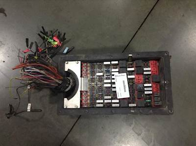 Fuse Boxes Panels Kenworth T Thumb on Infiniti G35 Fuse Box Diagram On Headlight
