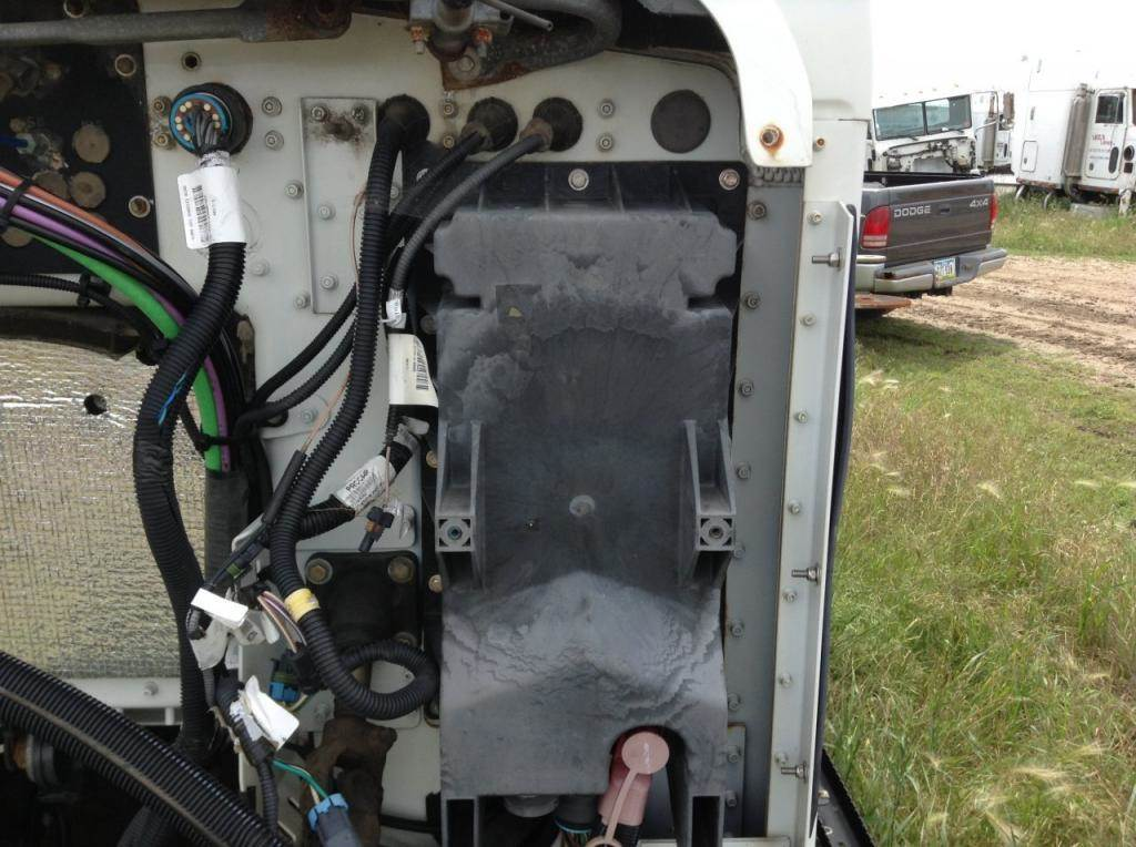2011 kenworth t660 fuse box for sale spencer ia 24674981 rh mylittlesalesman com 2011 kenworth t300 fuse box location