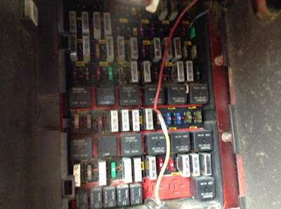 kenworth fuse boxes panels for sale mylittlesalesman com rh mylittlesalesman com kenworth fuse box terminals kenworth t800 fuse box
