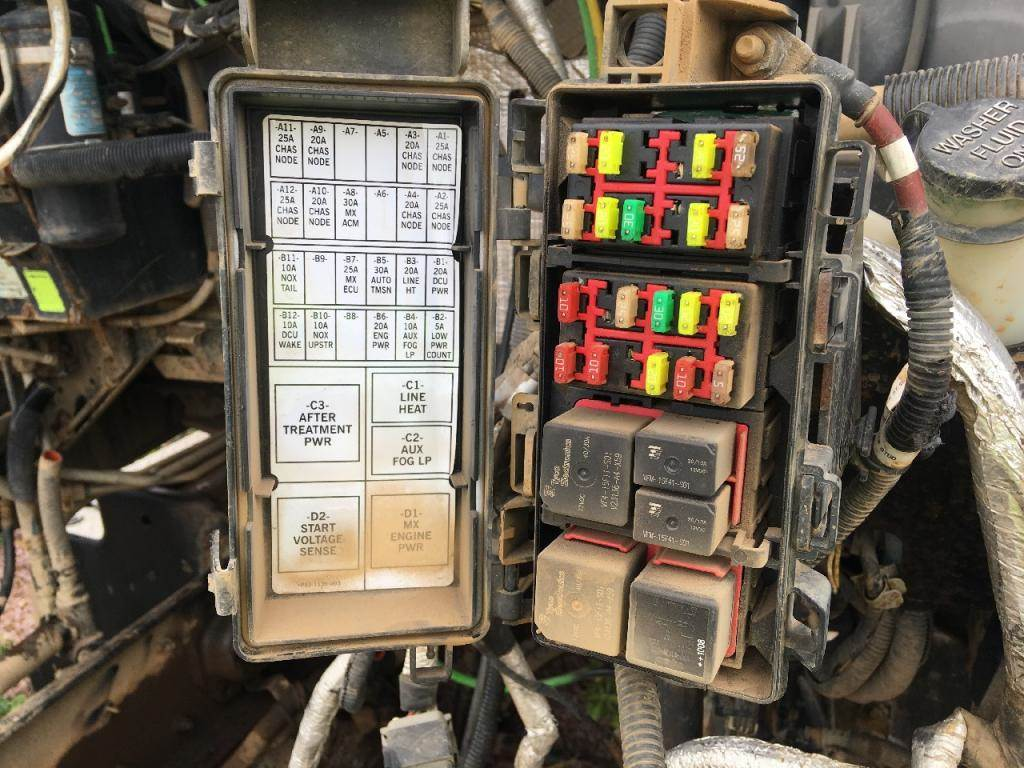 04 Kenworth Fuse Box | Wiring Diagrams on