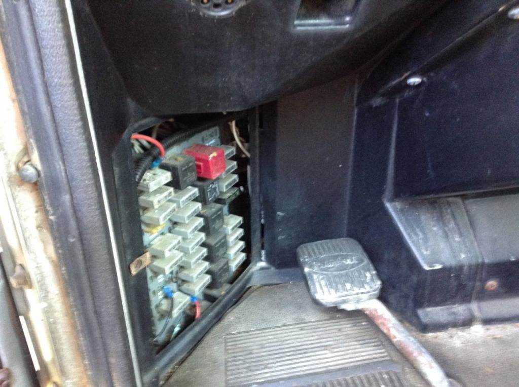 1997 peterbilt 330 fuse box for sale spencer ia 24680301 rh mylittlesalesman com 2006 379 PETERBILT Fuse Panel Peterbilt Fuses and Relays
