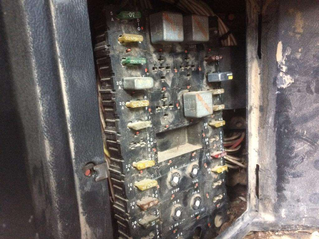 1989 peterbilt 375 fuse box for sale