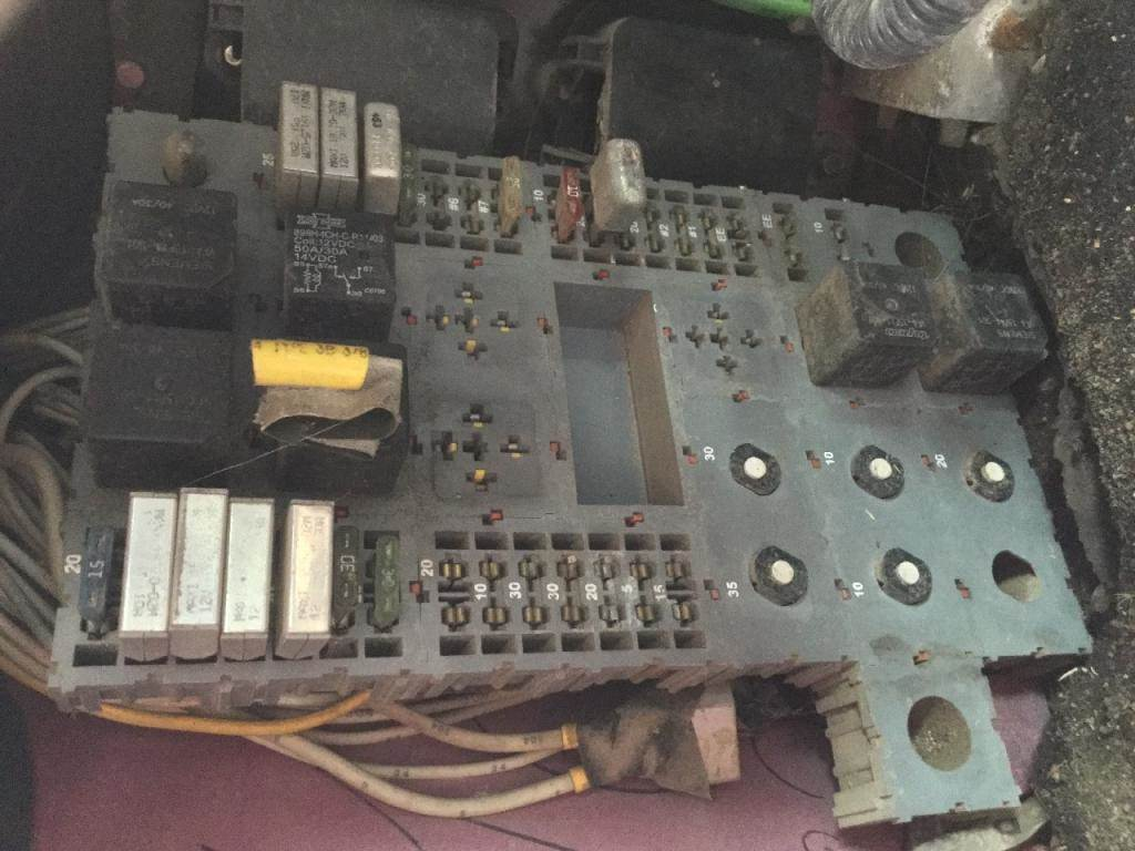 2000 Peterbilt 379 Fuse Box For Sale Spencer Ia 24652427 357