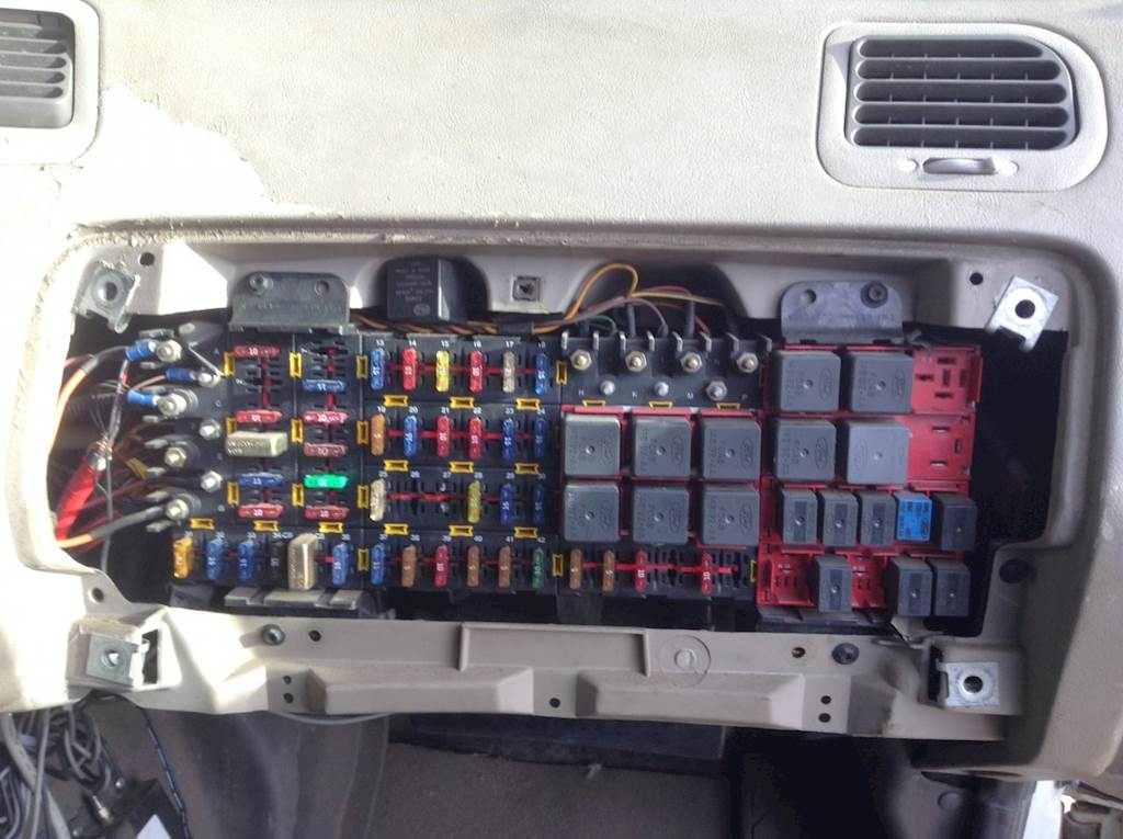 2001 sterling a9522 fuse box for sale spencer, ia 24752377 mylittlesalesman com 2001 ford fuse box 2001 sterling fuse box #1