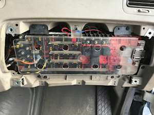 sterling fuse boxes panels acterra 5500 a9513 l7500 series and rh mylittlesalesman com 2007 Sterling Truck Wiring Diagram 2000 Sterling Truck Wiring Diagram