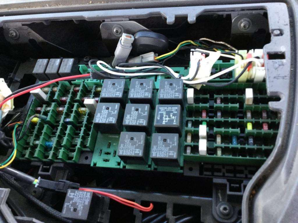 2007 Volvo Vnl Fuse Box For Sale