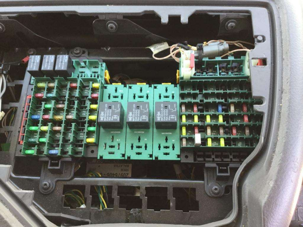 2011 volvo vnl fuse box for sale spencer ia 24598432. Black Bedroom Furniture Sets. Home Design Ideas