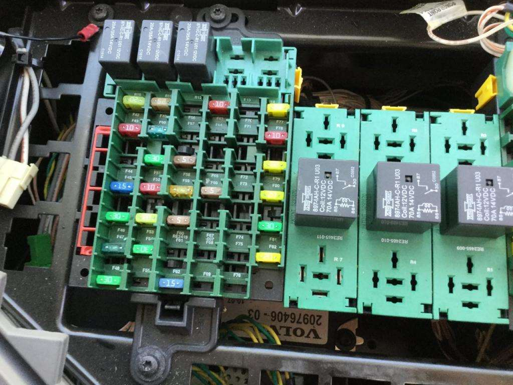 2011 Volvo Vnl Fuse Box For Sale Spencer Ia 24598432 Green