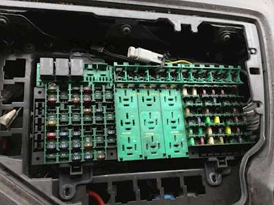 Fuse Boxes Panels Volvo VNL 9712111 thumb volvo vnl fuse boxes & panels for sale mylittlesalesman com 1999 volvo vnl fuse box at edmiracle.co