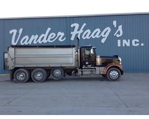 Freightliner FLD12064 Heavy Duty Dump Truck