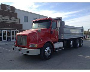 International 9200 Heavy Duty Dump Truck