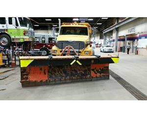 Sterling LT9513 Heavy Duty Dump Truck
