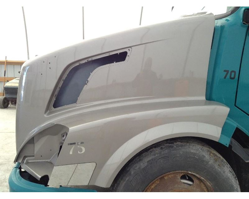 2006 Volvo VNL Hood Panel For Sale
