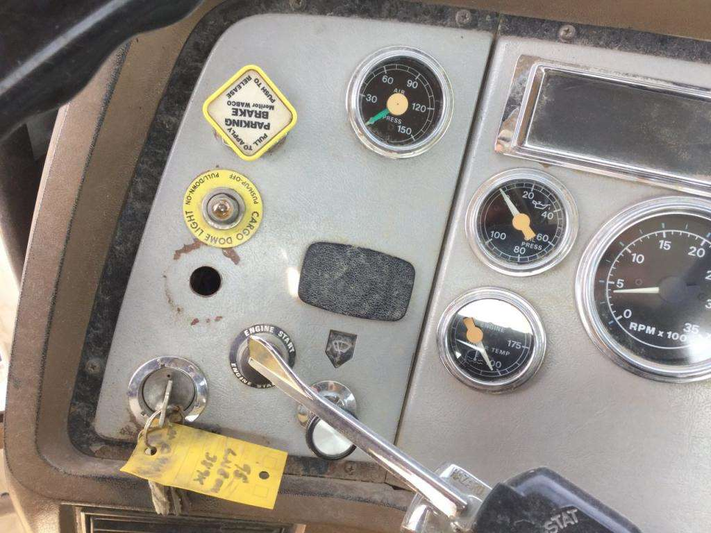 1996 Ford L8000 Instrument Cluster For A Ford Ln8000 For Sale