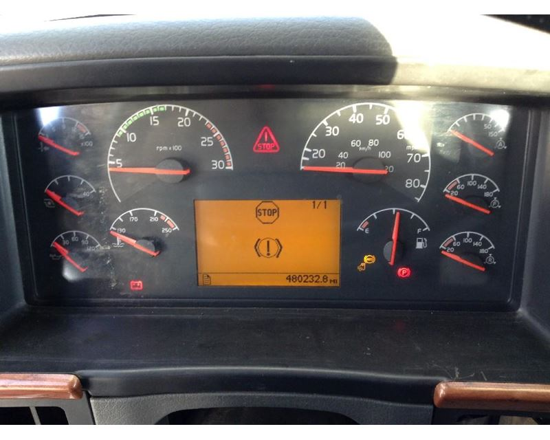 2004 Volvo Vnl Instrument Cluster For Sale Sioux Falls