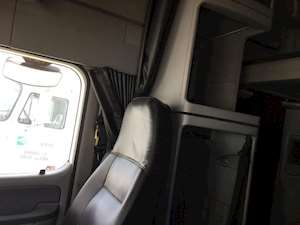 Freightliner columbia 120 interior sleeper curtains for - 2007 freightliner columbia interior ...