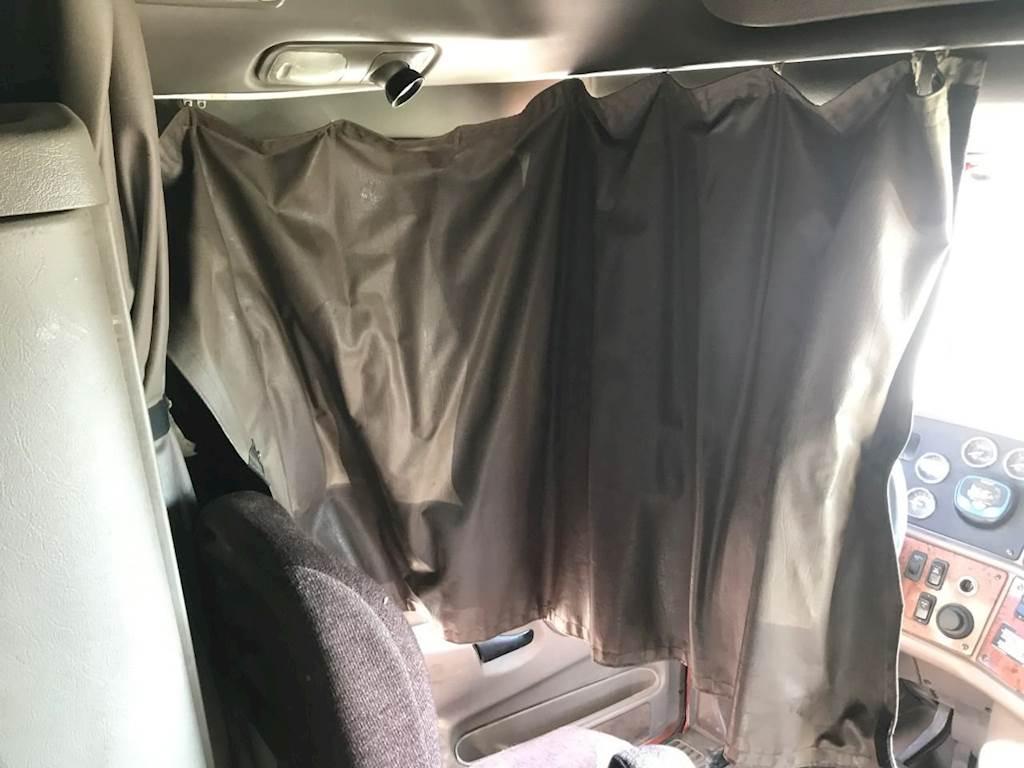 2012 Peterbilt 587 Interior Curtain For Sale Kansas City Mo 24798754 Mylittlesalesman Com
