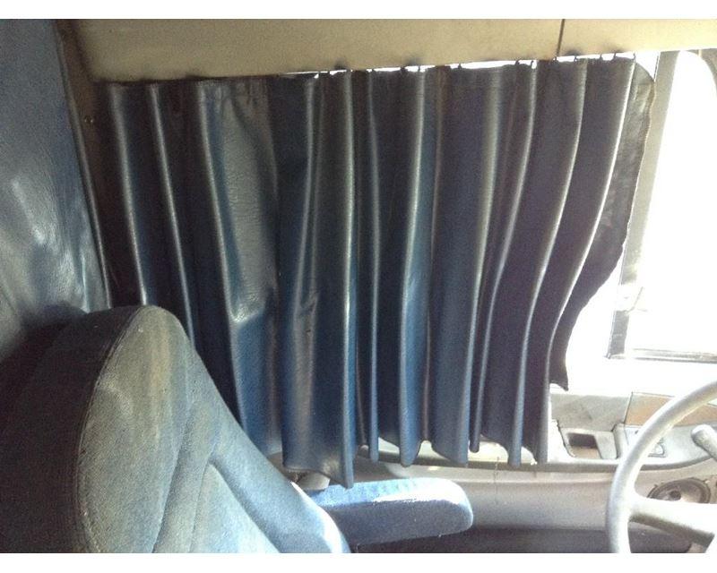 2004 Freightliner COLUMBIA 120 Interior Curtain