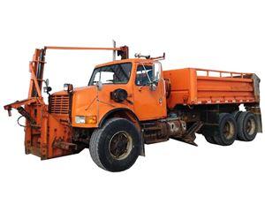 International 4900 Plow / Spreader Truck