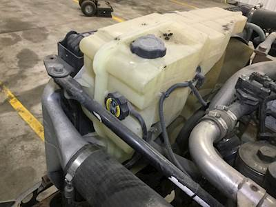Freightliner Cascadia Overflow Radiator Surge Tank OE# A0525263000 A0525263001