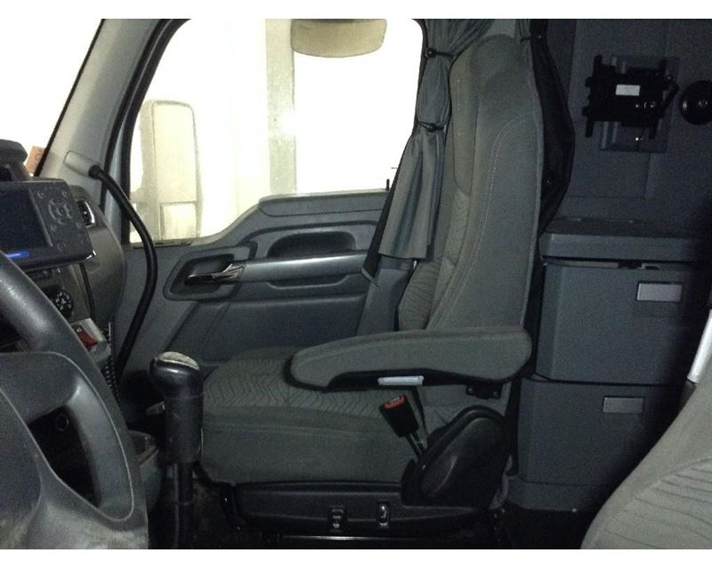 2016 kenworth t680 air ride seat for sale sioux falls sd 24458844. Black Bedroom Furniture Sets. Home Design Ideas