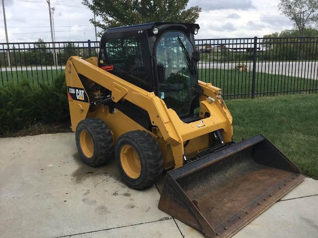 Caterpillar Skid Steer >> 2015 Caterpillar 236d Skid Steer For Sale 325 Hours Kansas City