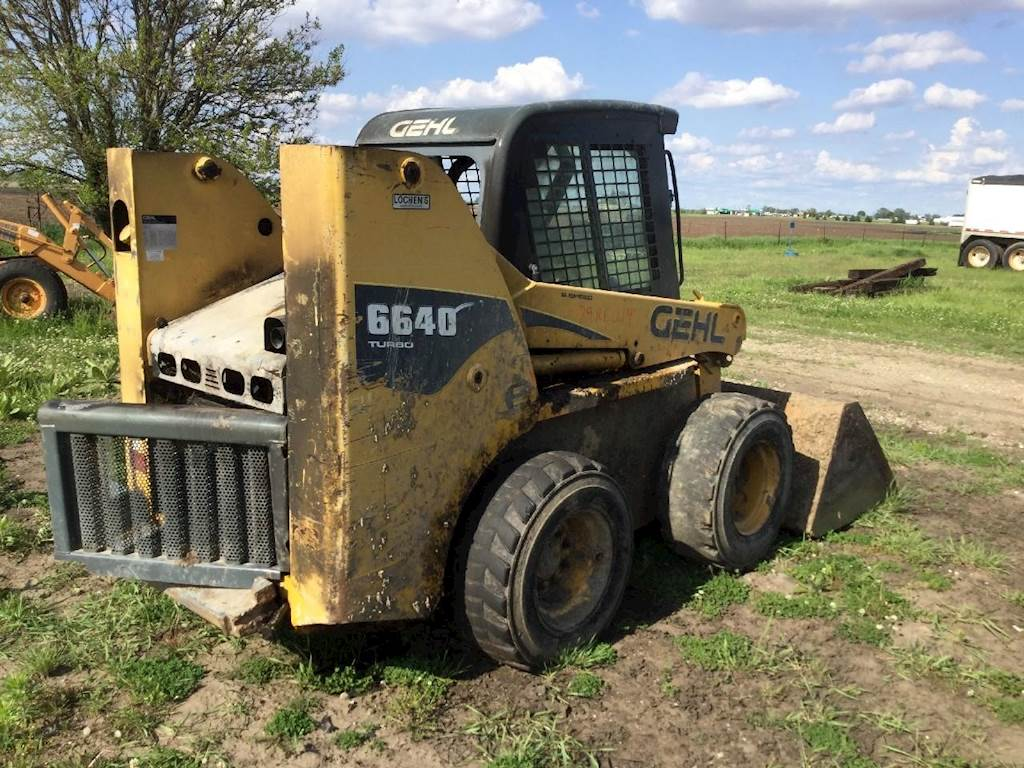2009 Gehl 6640 Skid Steer Being Dismantled | Spencer, IA | 09RE014