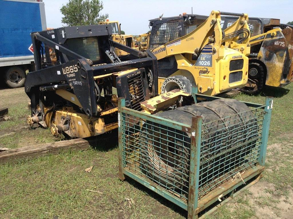 1998 New Holland LX865 Skid Steer Being Dismantled | Des