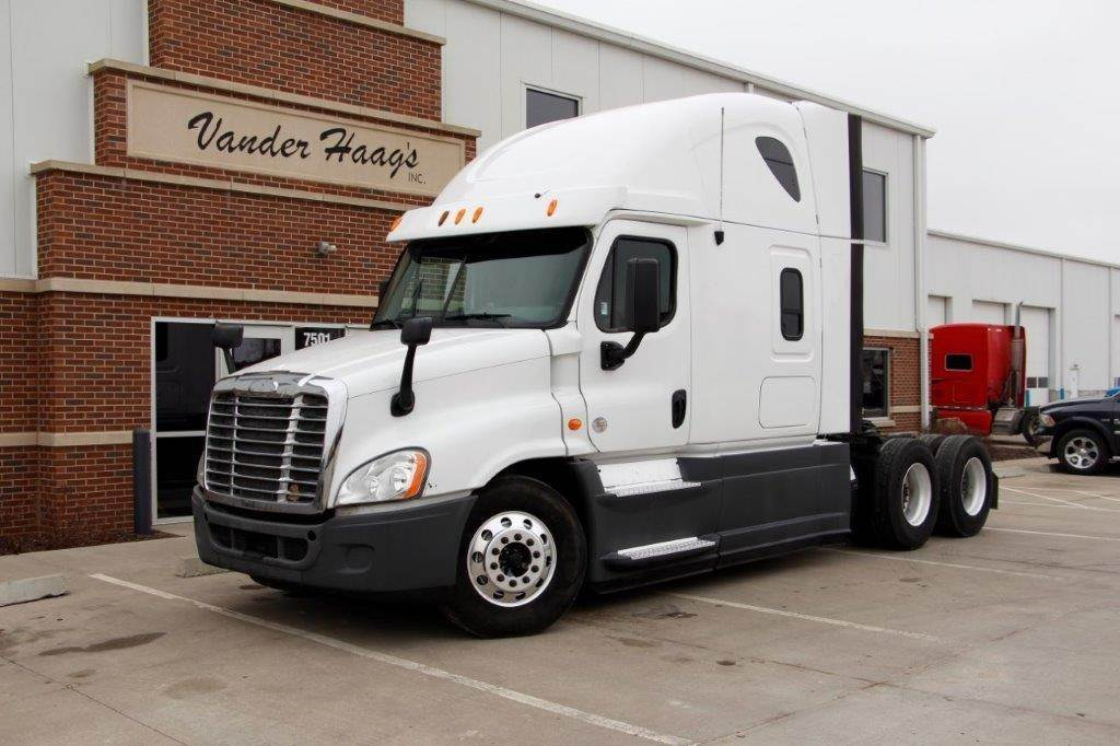 2013 Freightliner Cascadia >> 2013 Freightliner Cascadia 126 Sleeper Semi Truck Detroit Dd15 455hp 10 Spd For Sale 604 609 Miles Kansas City Mo 13wh057