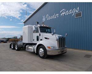 Peterbilt 384 Sleeper Truck