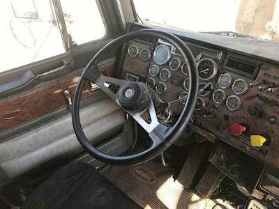 1997 Peterbilt 377 Steering Column