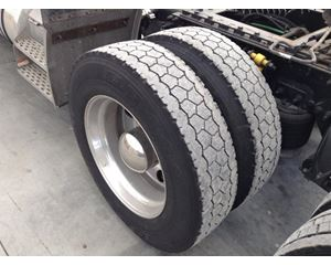 Freightliner CLASSIC XL Tire