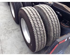 Freightliner COLUMBIA 120 Tire
