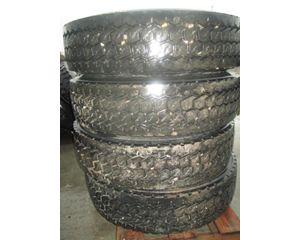 Peterbilt 377 Tire