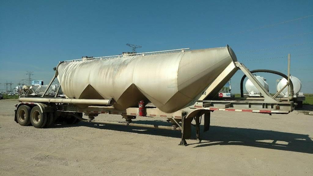2005 Fruehauf Tandem Axle Aluminum Dry Bulk / Pneumatic Tank Trailer - Air  Ride, Fixed Axle