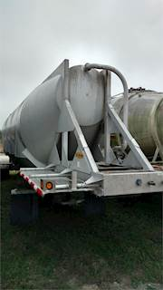Dry Bulk & Pneumatic Tank Trailers For Sale | Southeastern Pneumatic