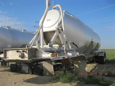 Tyrsol Tandem Axle Steel Dry Bulk / Pneumatic Tank Trailer - Fixed Axle