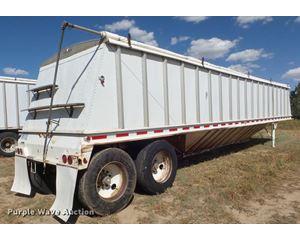 1994 Doonan double hopper grain trailer