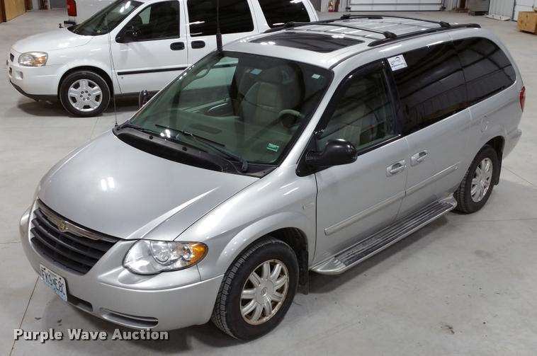 2006 Chrysler Town Amp Country Van For Sale 196 002 Miles