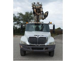 2005 International DuraStar 4300 bucket truck