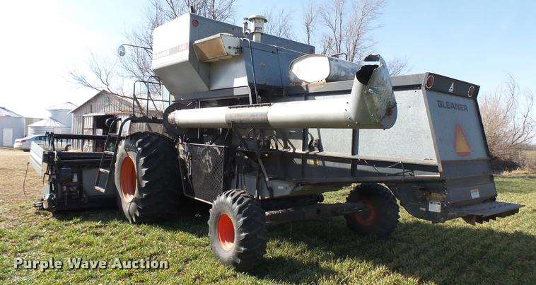 1981 Gleaner M2 Combine For Sale